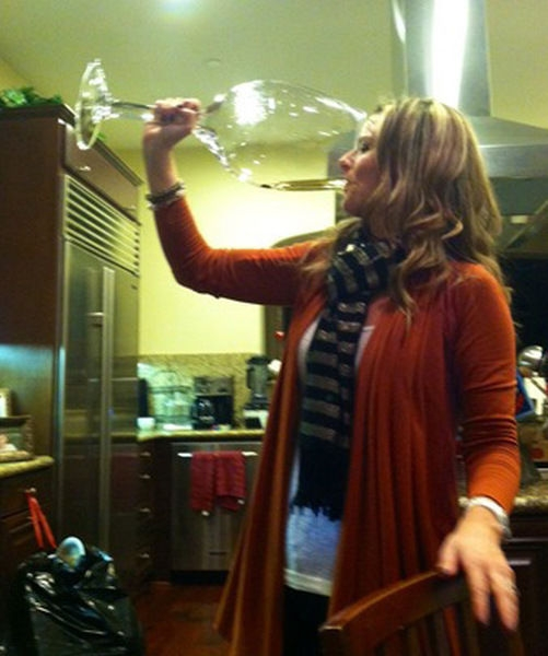 large-glass-of-champagne